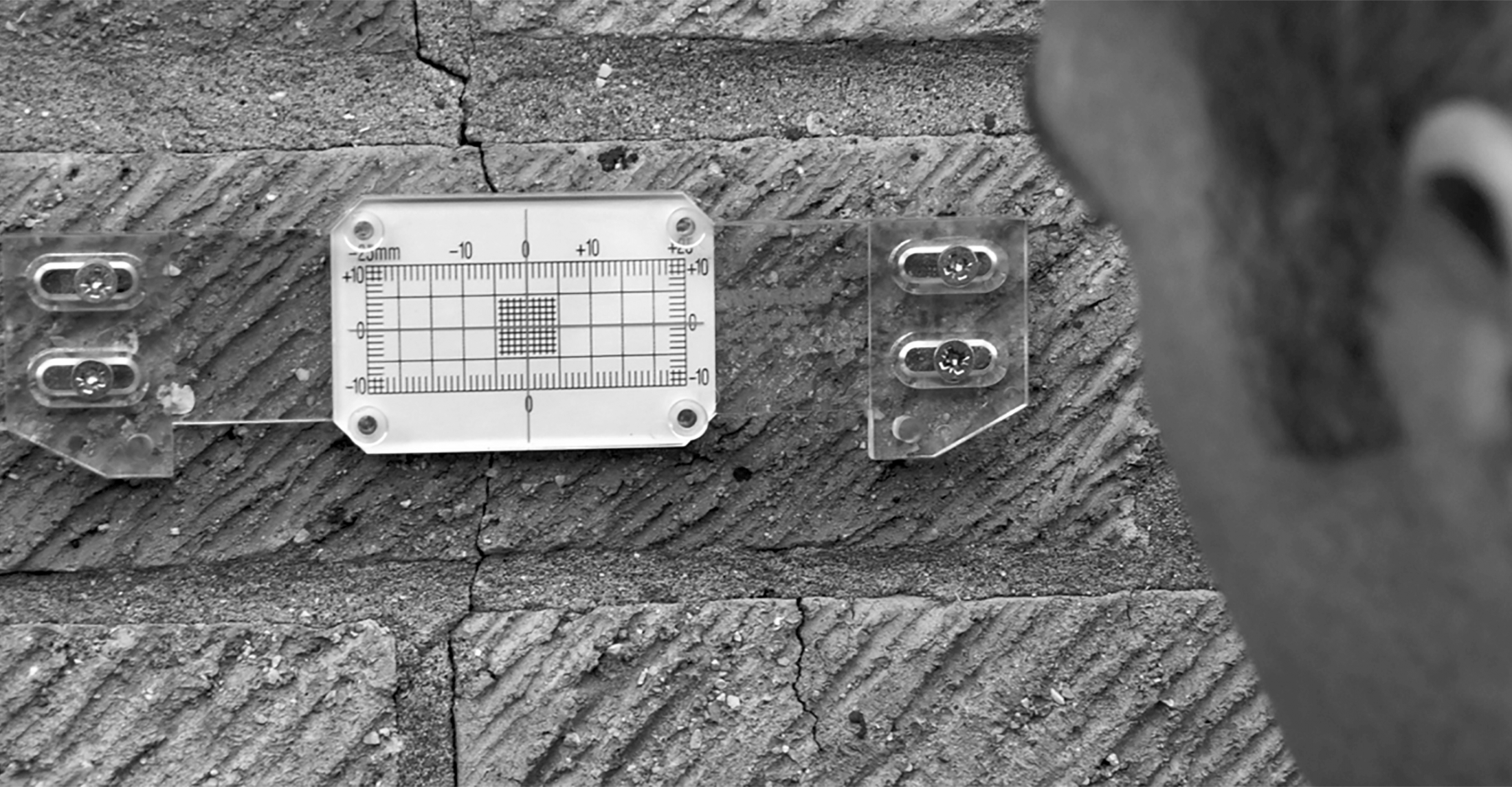 Our products are suitable for use on external & internal cracks
